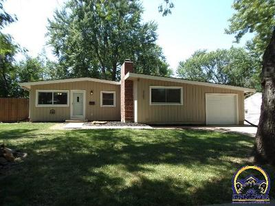 Topeka Single Family Home For Sale: 3207 SW Lane St