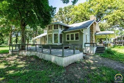 Topeka Single Family Home For Sale: 1607 NW Lower Silver Lake Rd