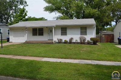 Topeka KS Single Family Home For Sale: $129,900