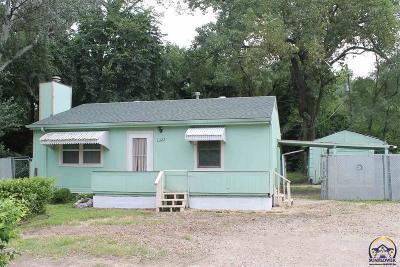 Topeka KS Single Family Home For Sale: $59,500