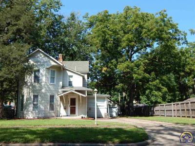 Topeka Single Family Home For Sale: 1155 SW Wayne Ave