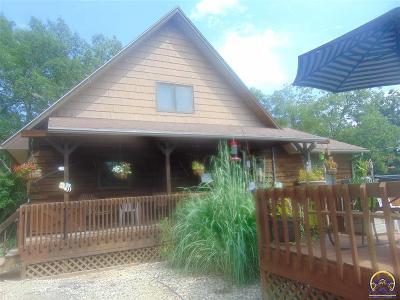 Mayetta KS Single Family Home For Sale: $315,000