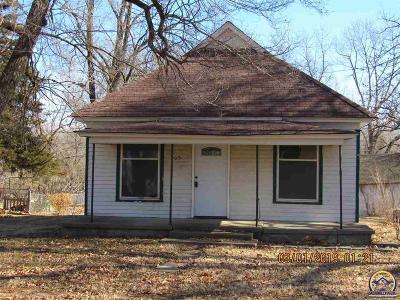 Lyndon Single Family Home For Sale: 405 Ash St