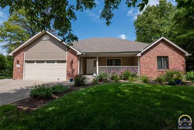 Topeka Single Family Home For Sale: 3320 SE 37th St