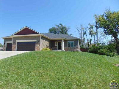 Topeka Single Family Home For Sale: 2620 SE Mercury Ave