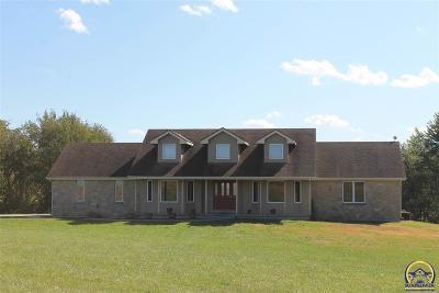 Topeka Single Family Home For Sale: 227 NE 86th St