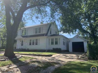 Topeka Single Family Home For Sale: 815 SW 7th St