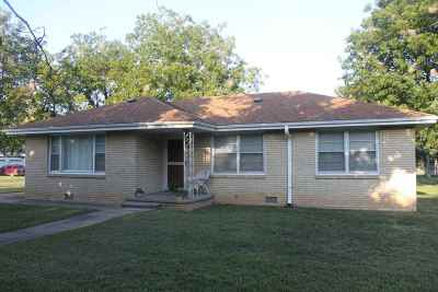 Burden Single Family Home For Sale: 336 Oak St