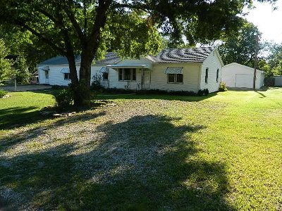 Winfield Single Family Home For Sale: 804 Broad St.