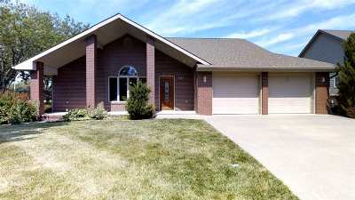 Harvey County Single Family Home For Sale: 101 Kingsway