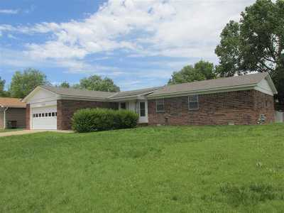 Arkansas City Single Family Home For Sale: 1020 Highland Drive