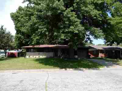 Arkansas City Single Family Home For Sale: 2223 Sherwood Road