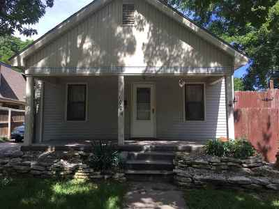 Arkansas City KS Single Family Home For Sale: $39,900
