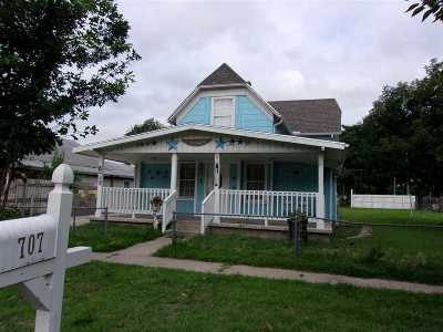 Arkansas City Single Family Home For Sale: 707 S 6th