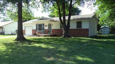 Douglass Single Family Home For Sale: 824 E 4th Cir