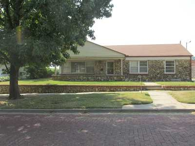 Arkansas City Single Family Home For Sale: 311 S 2nd