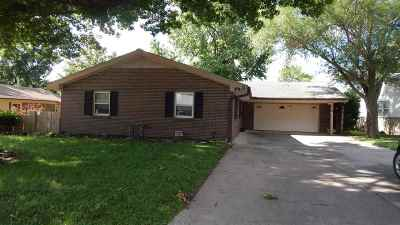 Winfield KS Single Family Home For Sale: $124,900