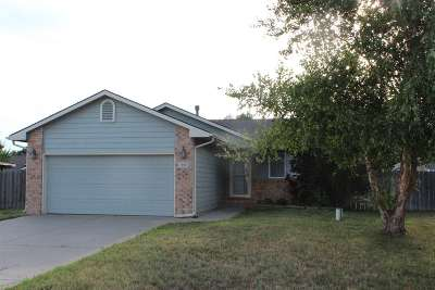 Bentley Single Family Home For Sale: 111 S Berkshire