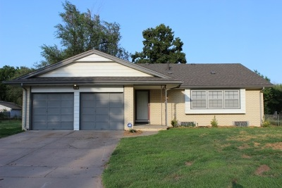 Single Family Home Sale Pending: 770 N Young