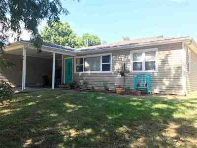 Arkansas City Single Family Home For Sale: 910 N 11th