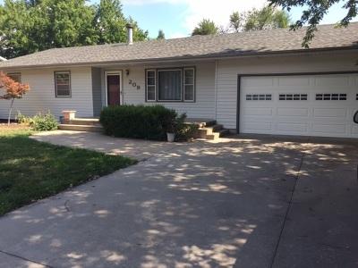 Hesston Single Family Home For Sale: 209 Willow Lane