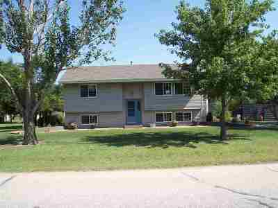 Bentley Single Family Home For Sale: 106 W Rogers St