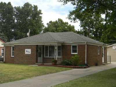 Haysville Single Family Home For Sale: 211 W Fager