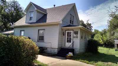 Haysville Single Family Home For Sale: 401 E 71st St S