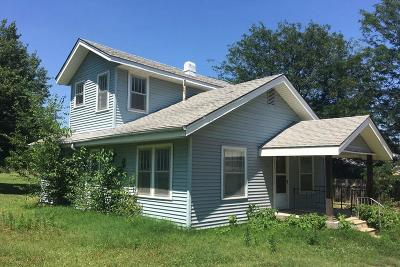 Arkansas City Single Family Home For Sale: 714 W Maple Ave