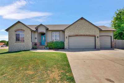 Rose Hill Single Family Home For Sale: 119 W Harmony Cir