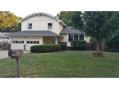 Derby Single Family Home For Sale: 1519 E Oak Forest Rd