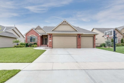 Derby Single Family Home For Sale: 2425 N Sawgrass Ct