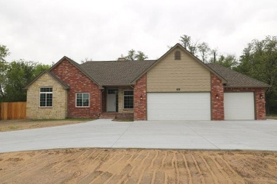 Haysville Single Family Home For Sale: 920 W 79th St S