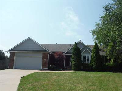 Andover Single Family Home For Sale: 249 Greenvalley