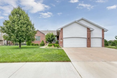 Andover Single Family Home For Sale: 1010 W Basswood