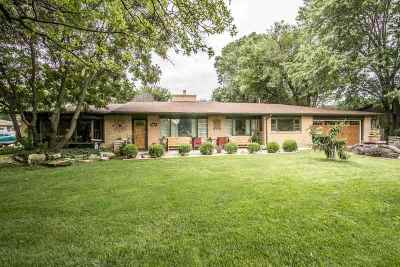 Wichita Single Family Home For Sale: 637 S Lakeshore Dr
