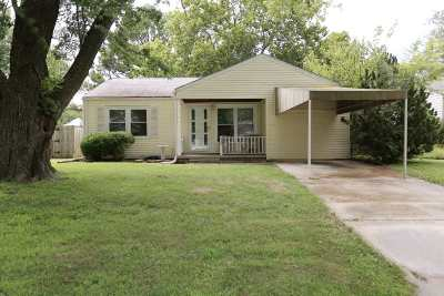 Single Family Home For Sale: 935 Prairie Park Rd