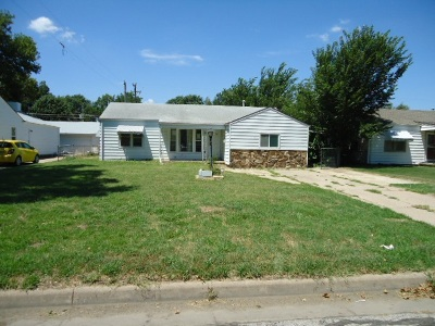 Single Family Home For Sale: 3261 S Gold