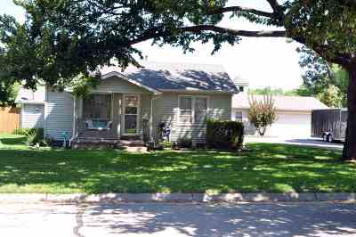 Single Family Home For Sale: 630 W Sunrise Dr