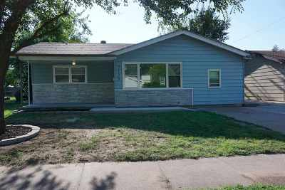 Wichita  Single Family Home For Sale: 2439 S Osage