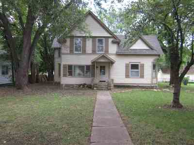 Winfield Single Family Home For Sale: 717 E 16th