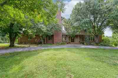 Wichita Single Family Home For Sale: 2810 N Fox Pointe