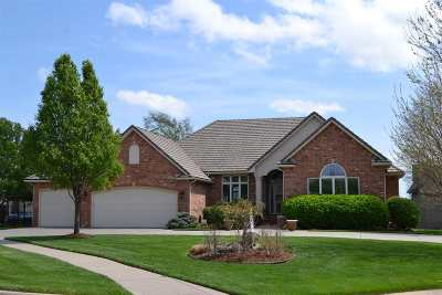 Wichita Single Family Home For Sale: 2718 N Lake Ridge St