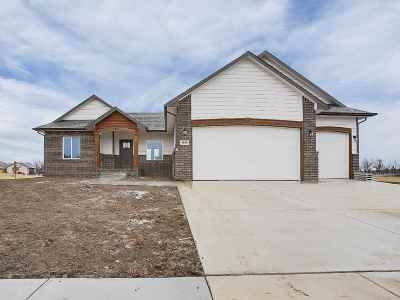 Wichita Single Family Home For Sale: 1030 N Forestview