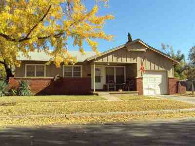Wichita Single Family Home For Sale: 2204 S Elizabeth