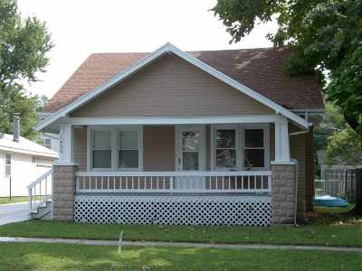 Winfield KS Single Family Home For Sale: $115,900