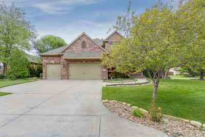 Wichita Single Family Home For Sale: 100 N Chelmsford Court