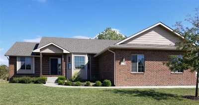 Wichita Single Family Home For Sale: 1306 S Horseback