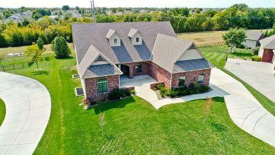 Wichita Single Family Home For Sale: 1801 N Glen Wood Cir