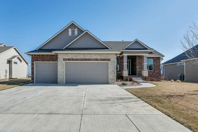 Wichita Single Family Home For Sale: 2904 N Gulf Breeze Circle
